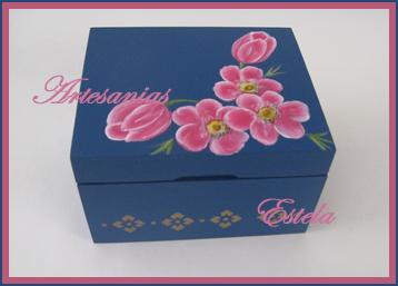 Cajas de té y /o alhajeros pintados totalmente a mano.