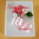 Cajas de madera decoradas con flores de porcelana