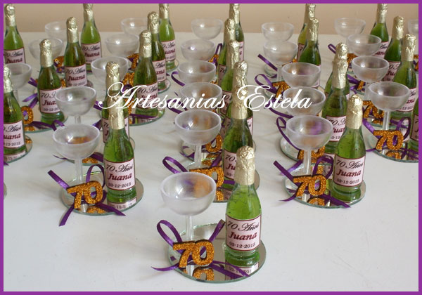 Souvenirs 70 Años1   Souvenirs De Para Cumpleaños De Adultos Con Botellitas Personalizadas