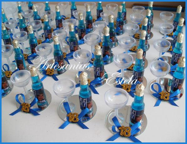 Souvenirs Botellitas De Vino Frizze Personalizadas