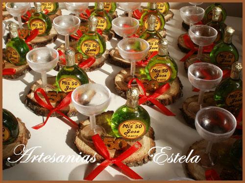 Souvenirs Botellitas De Vino Personalizadas   Souvenirs Y Maquetas Para Cumpleaños De 50 Años
