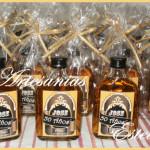 Souvenirs Botellitas De Whisky Personalizadas.2 150x150   Souvenirs Y Maquetas Para Cumpleaños De 50 Años