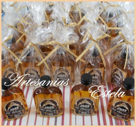 Souvenirs Botellitas De Whisky Personalizadas.3   Souvenirs Botellitas De Whisky Personalizadas