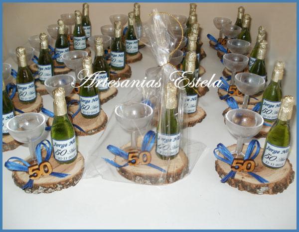 Souvenirs 50 Años Con Mini Botellitas De Champagne Personalizadas