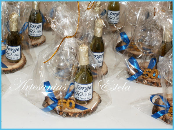 Souvenirs 50 Años Mini Botelitas De Champagne Personalizadas