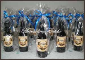 Botellitas De Vino Personalizadas 300x213   Botellitas De Vino Personalizadas   Modelos 2017
