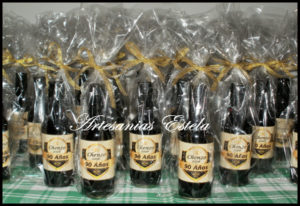 Botellitas De Vino Personalizadas 9 1 300x206   Botellitas De Vino Personalizadas   Modelos 2017